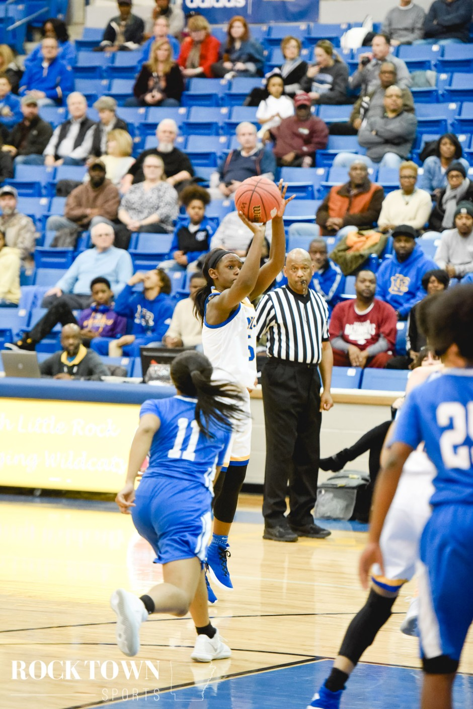 nlr_bryant_basketball_2019-35